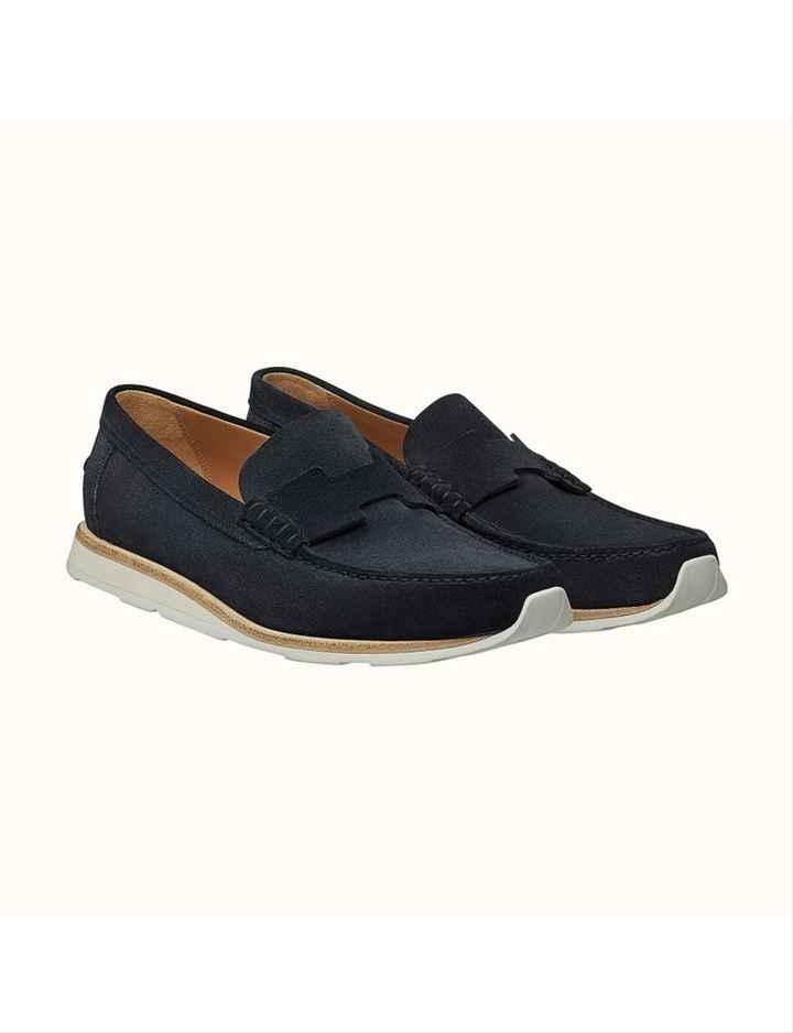 Quelle paire de chaussures préfère t-il ? - 5