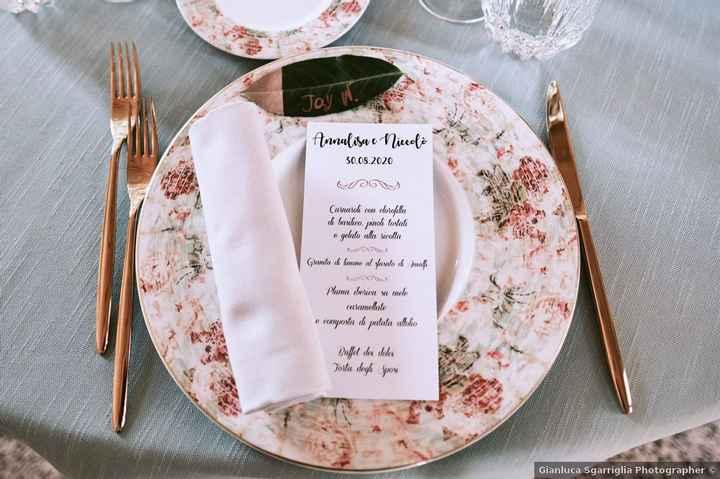 À table : de 1 à 5 combien donnes-tu à cette vaisselle pour un mariage ? - 1