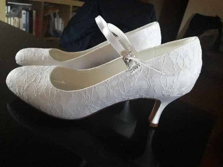 Chaussures 👠 Soutien gorge 👙 - 1
