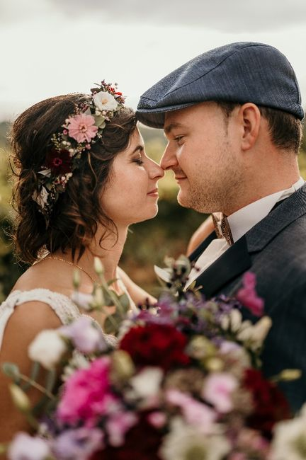 Cheveux attachés ou détachés pour le mariage ? 3