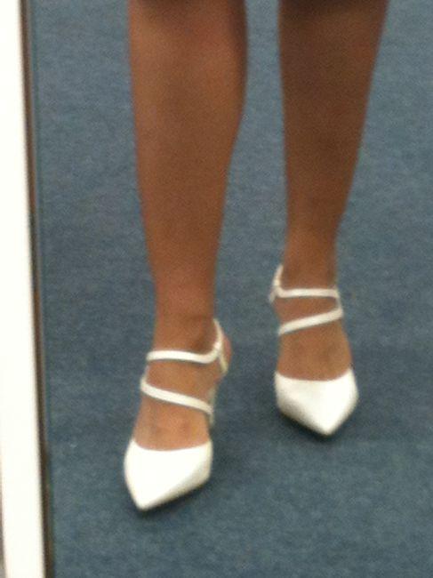 jai finalement opt pour dautres chaussures en soie sauvage qui dont splendides je ne les ai mme pas en photo mdr par contre cest du semi sur - Besson Chaussures Mariage