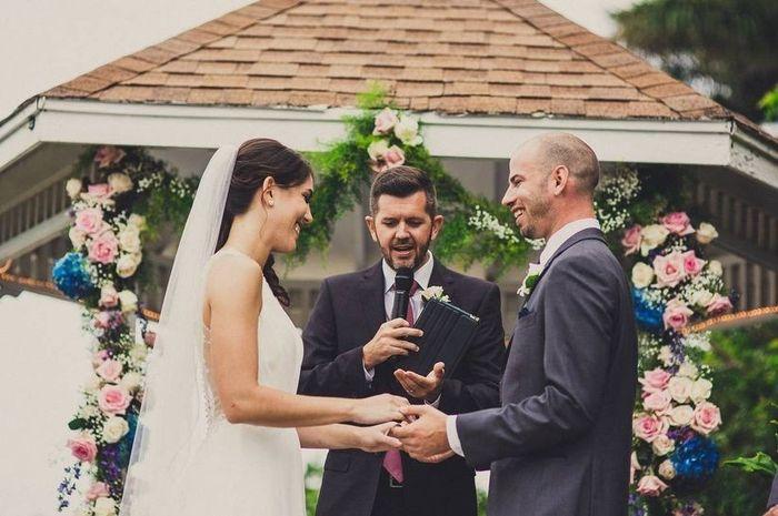 Officiant de cérémonie laïque : Un proche ou un profesionnel ? 1