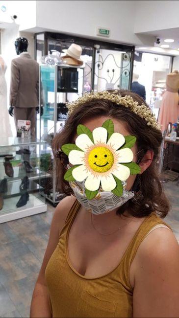 Comment fixer une couronne de fleurs ? - 1