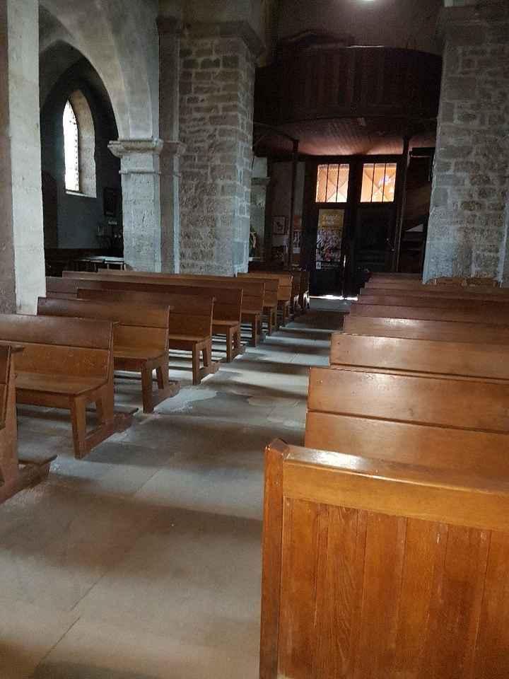 Comment fixer la décoration pour les bancs d'église - 1