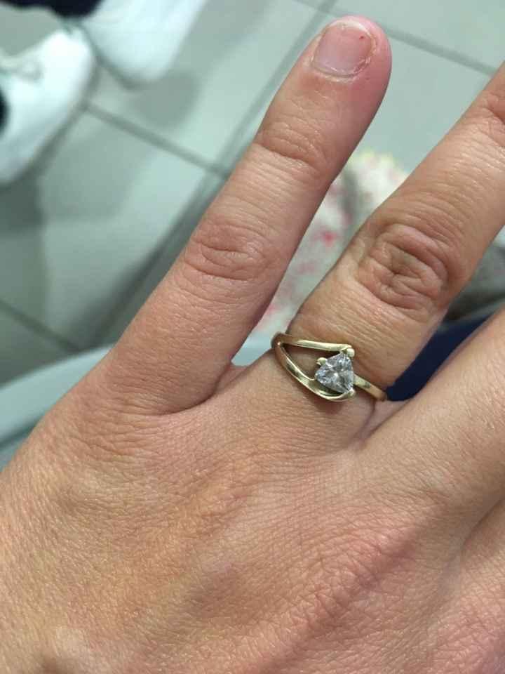Avez-vous publié une photo de votre bague de fiançailles ? - 1