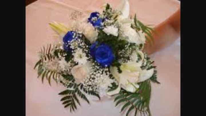 Sélections de bouquet de mariée bleu marine et blanc - 8