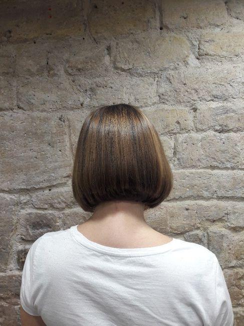 Deux heures après et un brushing voila le résultat de la coiffeuse on verra comment je m'en sort dan