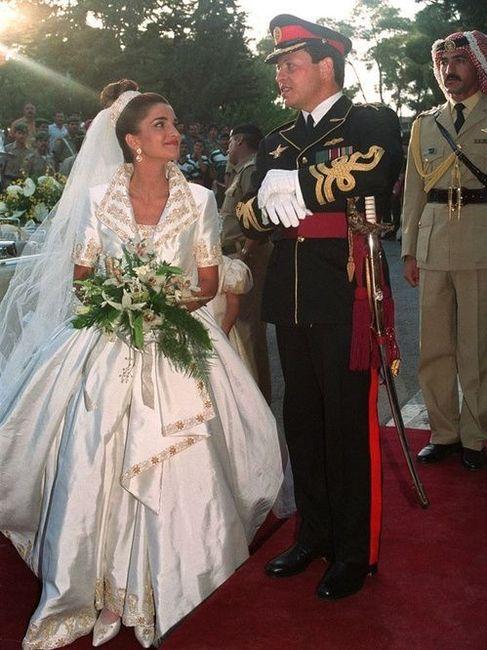 Les plus belles robes de mari e des mariages royaux for Les plus belles douches italiennes