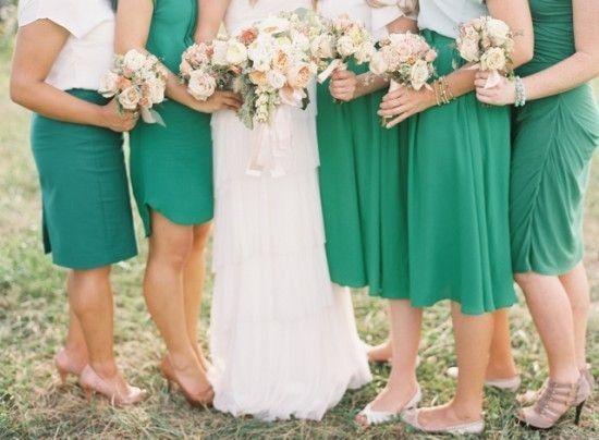 Robes de demoiselles d 39 honneur et t moins couleurs - Vert emeraude avec quelle couleur ...