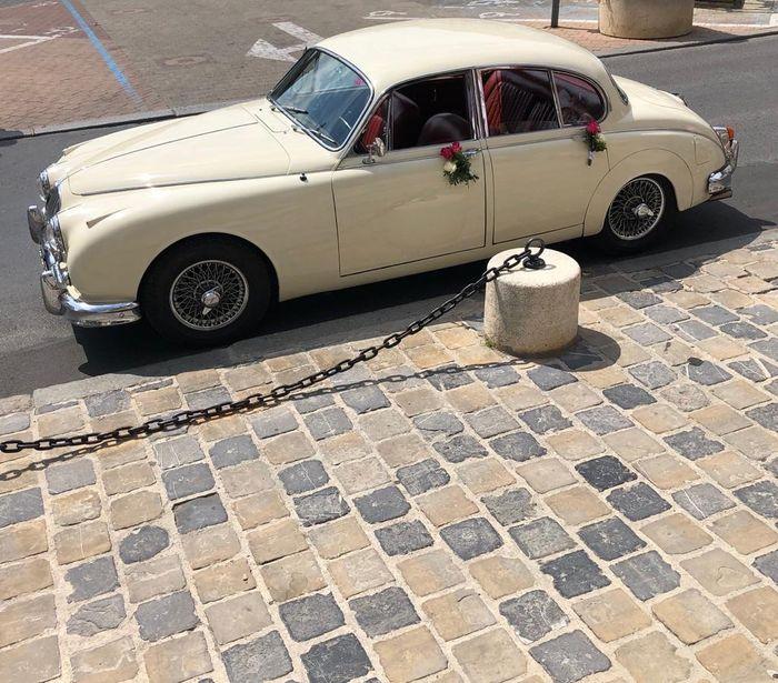 Laquelle de ces deux voitures pour ton mariage ? 1
