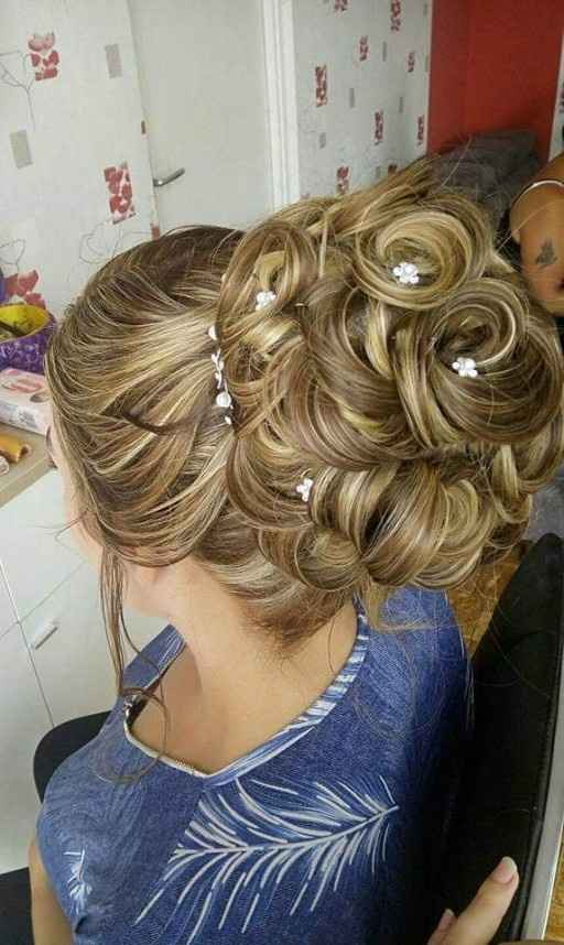 Duel : chignon ou cheveux détachés - 2