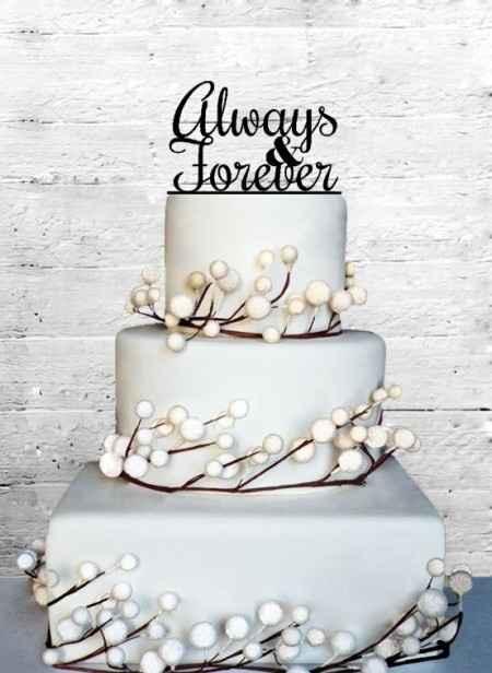 Notre cake toper