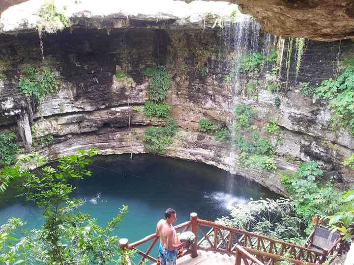 Cenote près de chichen Itza
