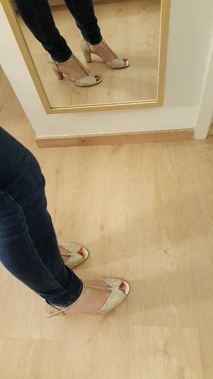 Chaussures portées