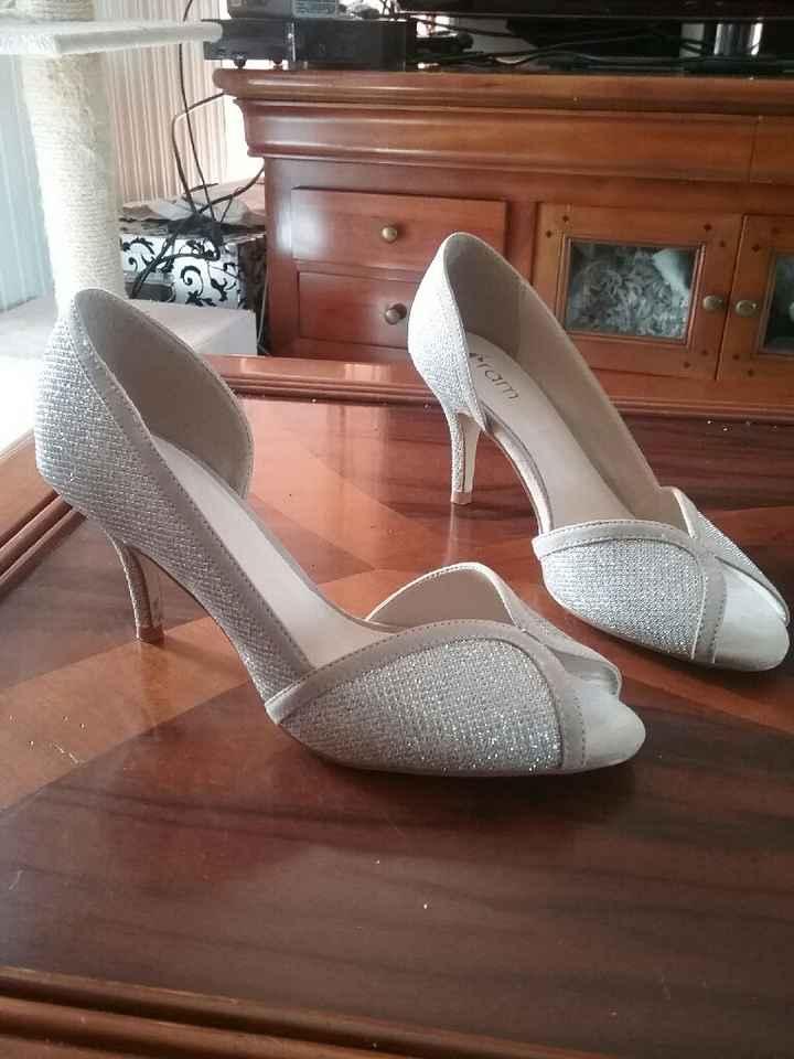 A la recherche de the chaussures - 1