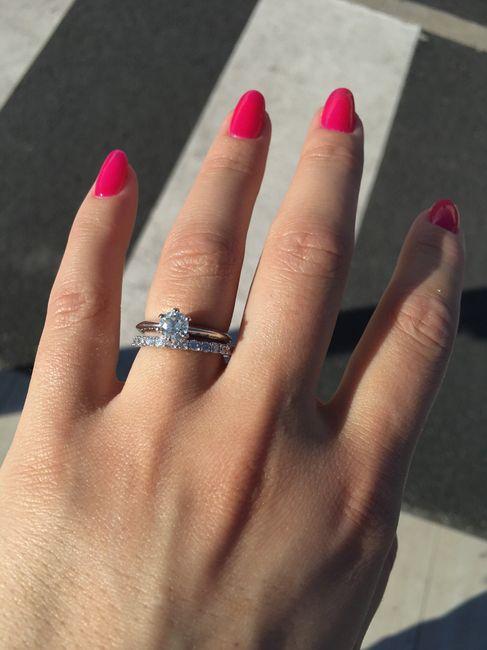Vos bagues de fiançailles et alliance : montrez moi 5