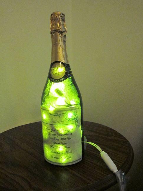 Bouteille De Champagne Et De Vin Duel De Lampes Apr 232 S