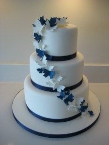 wedding cake navy blue and white gateau de mariage banquets forum mariages net 23304