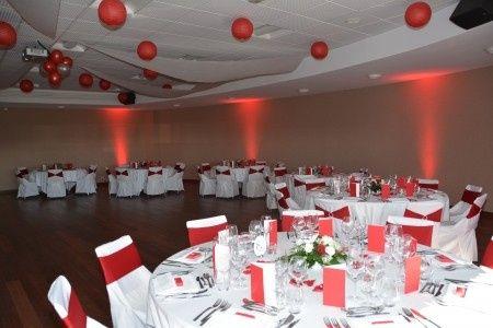 Voici les photos de la decoration de mon mariage en rouge et blanc