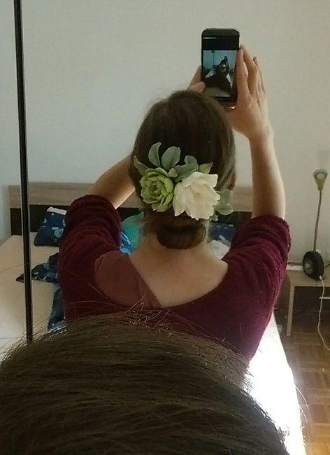 Accessoire fleuri (et lit pas fait ^^)