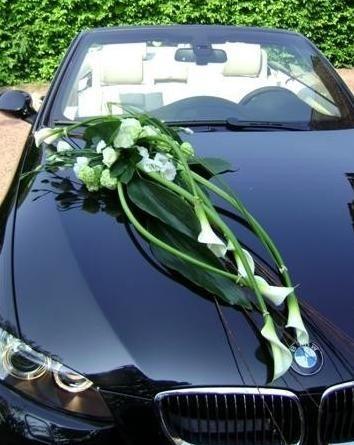 D co florale voiture photo organisation du mariage - Decoration de voiture mariage ...