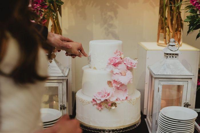 2 mariages, 2 wedding cake. Lequel préfères-tu ? 2