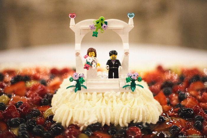 2 mariages, 2 cake toppers. Lequel préfères-tu ? 2