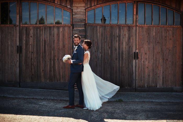2 mariages, 2 costumes. Lequel préfères-tu ? 2