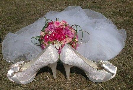 Les chaussures, le voile et le bouquet...