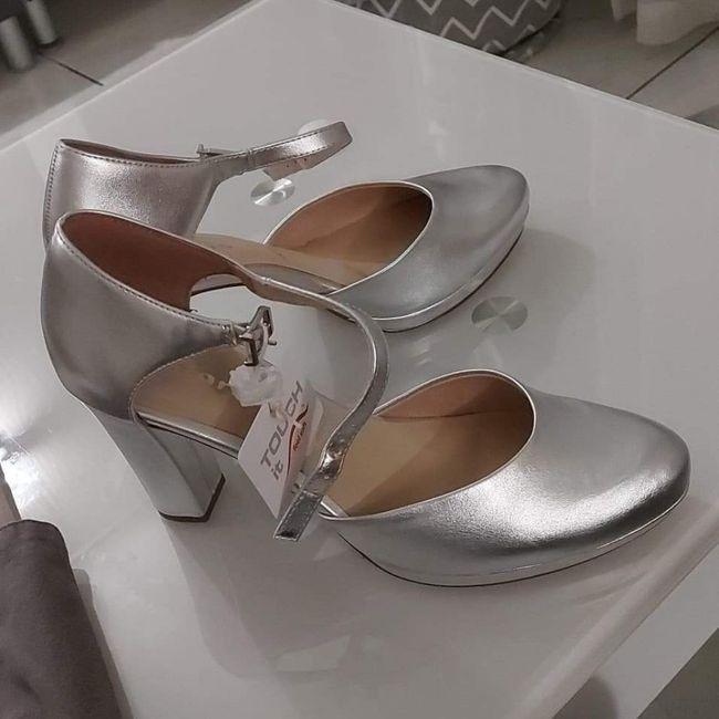Chaussures argentées 1