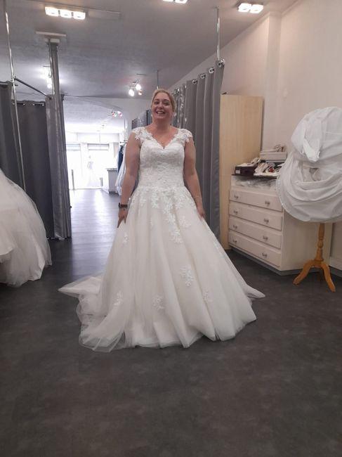 Changement de robe à 5 semaines du mariage 1