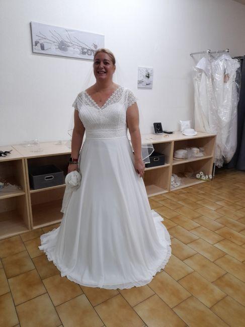 Changement de robe à 5 semaines du mariage 3