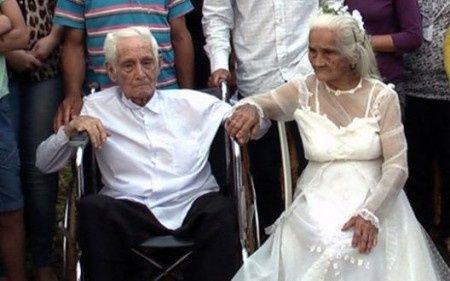 apres 80 ans de vie commune, ils se marient