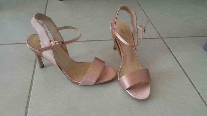 Encore des chaussures - 1