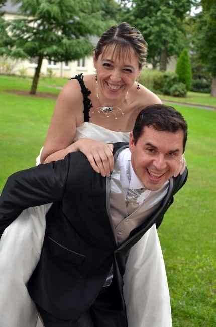 Le pov'.......... chéri........ tout le poids du mariage..........
