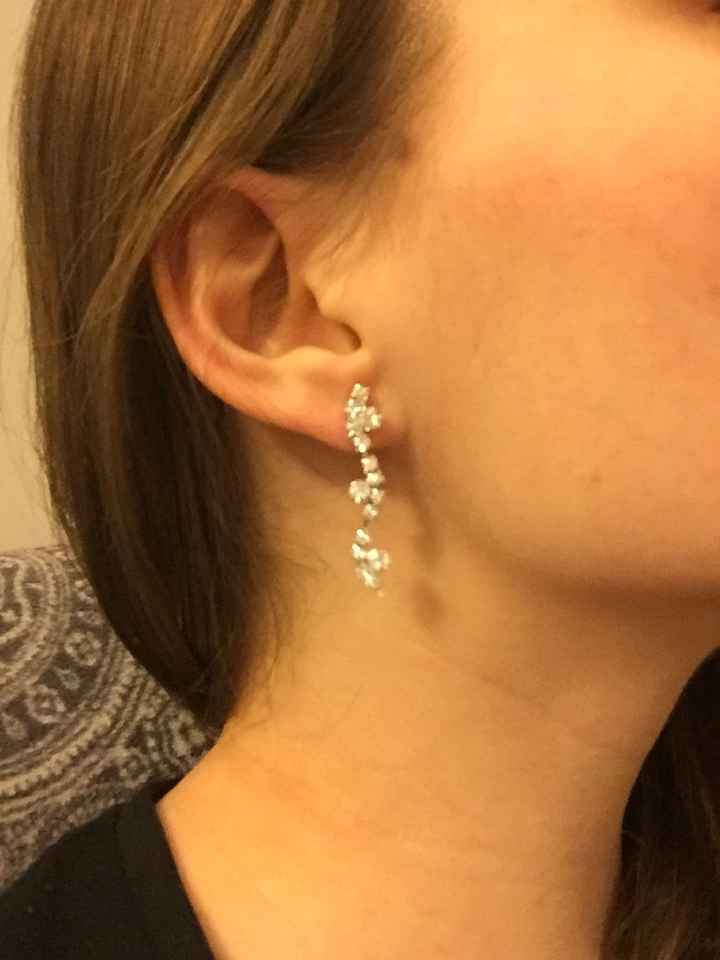 Montrez moi vos boucles d'oreilles svp - 1