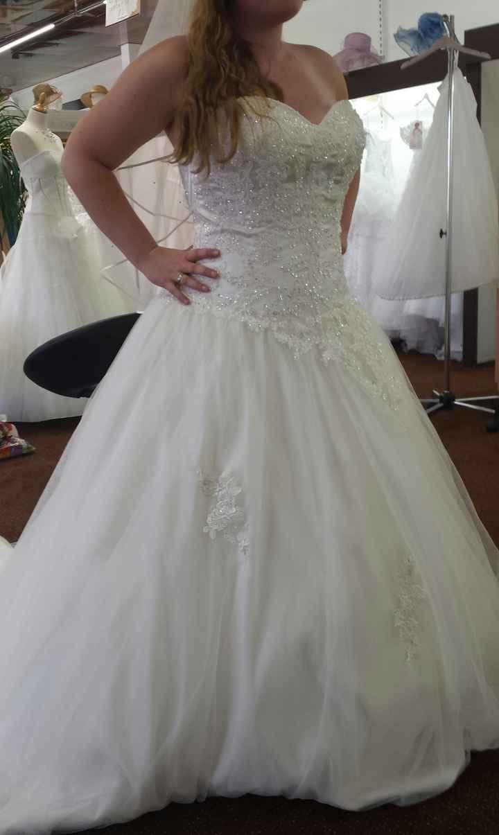 Première robe...