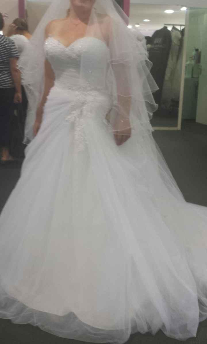 Voici la deuxième robe
