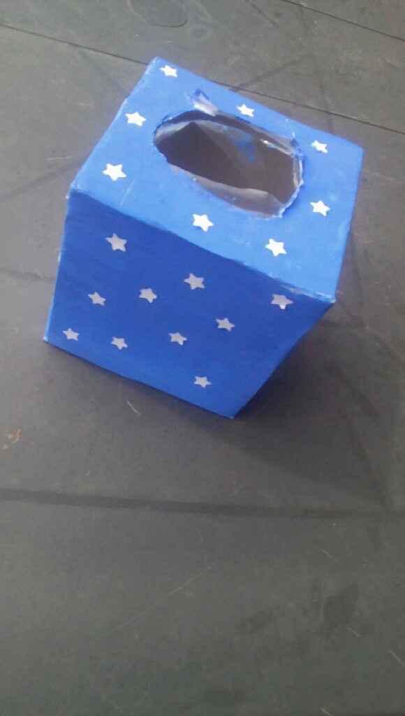Prototype boite a mouchoirs larme de joie - 1