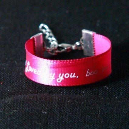 Alternative du bracelet ! Avec nos noms et la date de mariage dessu ! Ou prénom des invités ??