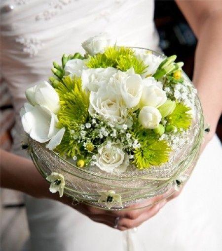 Mariage th me couleur vert anis et gris d coration for Bouquet de fleurs vertes