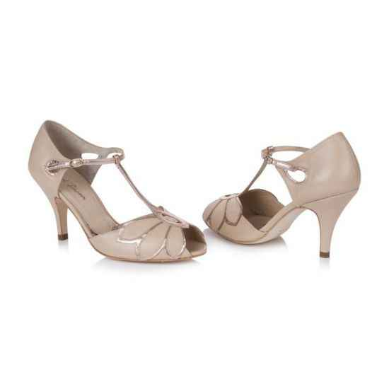 Help chaussures ! 12