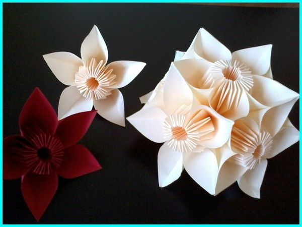 je cherche le tuto pour ces fleurs origami d coration. Black Bedroom Furniture Sets. Home Design Ideas