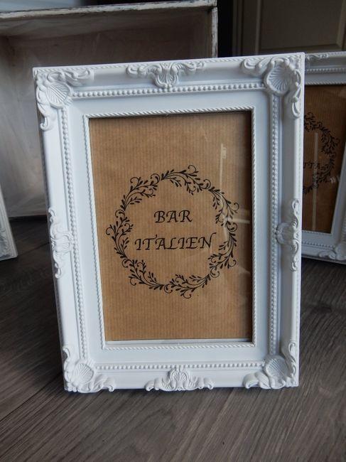 cherche petits cadres baroque blanc d coration forum. Black Bedroom Furniture Sets. Home Design Ideas