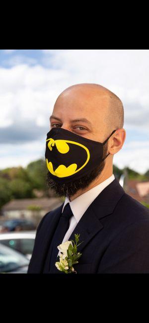Et s'il portait le masque du batman pour te surprendre ? 😮 2