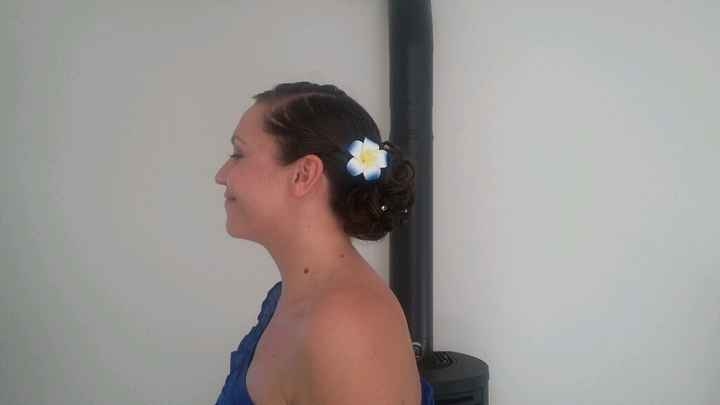 Essai coiffure :quelle fleur? - 2