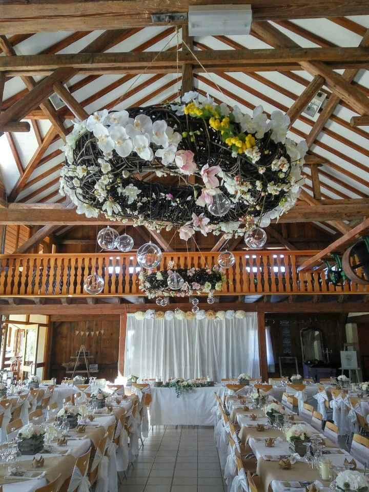 Couronne fleurie décoration - 1