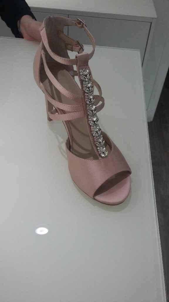 Recherche chaussures rose - 1