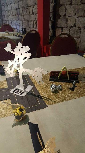 table (pas trouvé de dragées or... donc jaune...)