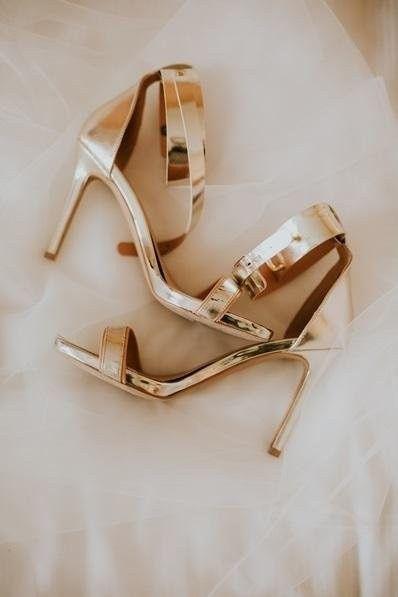 Bataille des mariées - 2 paires de chaussures... 2